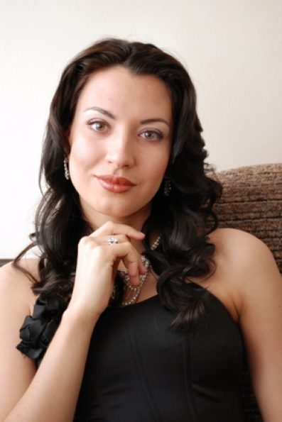 Viktoriya Riomanova 1 vert