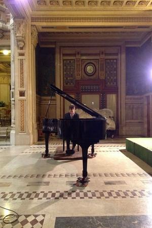 Alexander Frey piano 3 vert